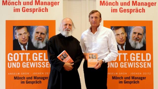 'Gott, Geld und Gewissen' von Pater Anselm Gruen und dem Puma Vorstandsvorsitzenden Jochen Zeitz