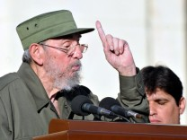 Kubanischer Revolutionsführer Castro spricht vor Studenten