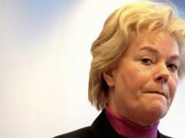 Steinbach lehnt Regierungsveto bei Vertriebenenstiftung weiter ab
