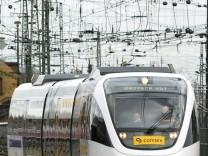 Private Bahnfirmen wie die Inter-Connex monieren, dass die Deutsche Bahn zu viele Streckenkosten bei ihnen abrechne.
