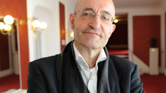 Schauspielhaus-Intendant Schirmer tritt zurück